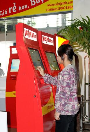 máy check-in tự động của vietjetair