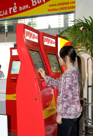 Hướng dẫn check-in tự động tại kiosk VietJetAir