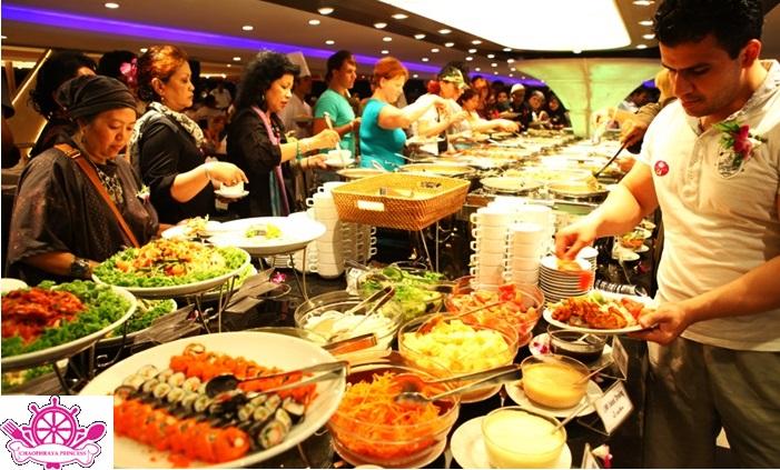 ăn tối buffet trên sông Chao Phraya