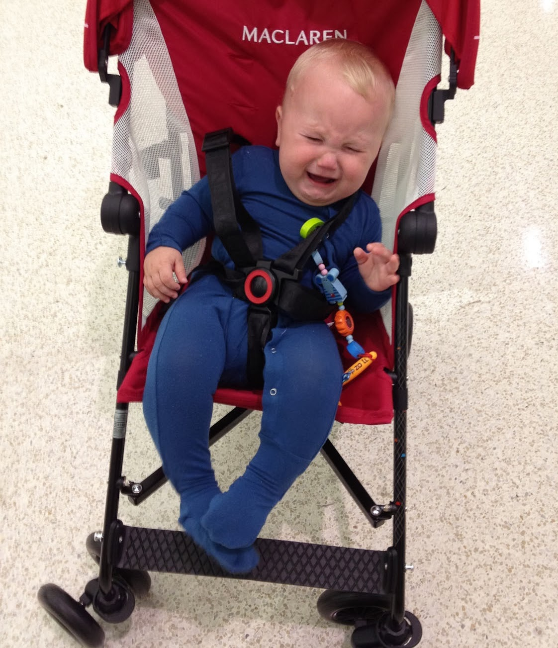 """Thư độc giả: """"Vì sao 2 bánh xe nôi con tôi bị mất?"""""""