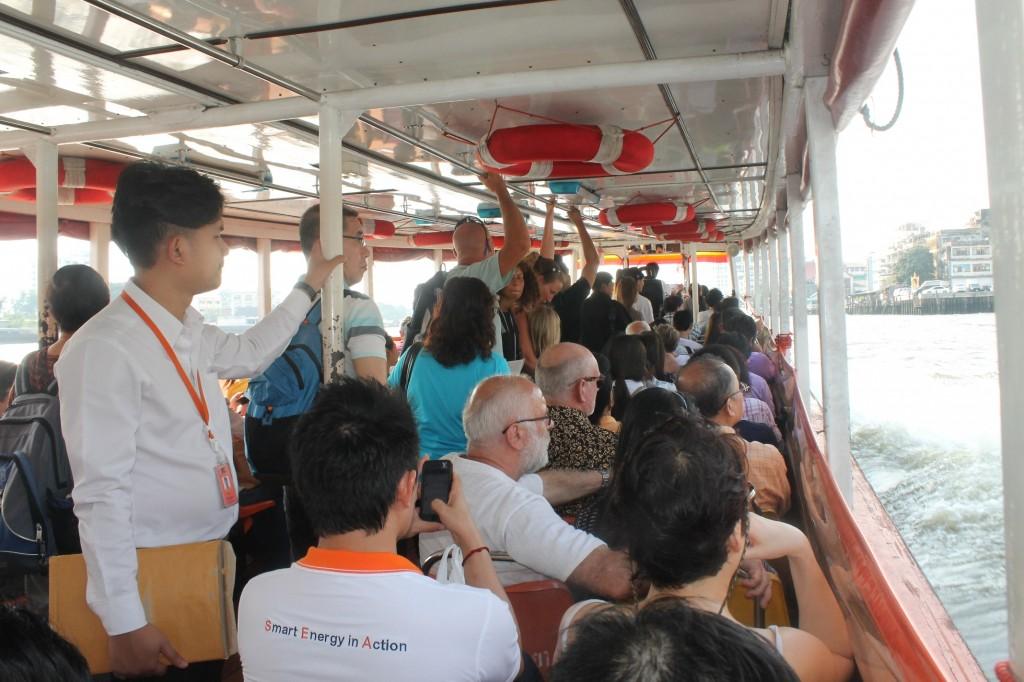 Ngược xuôi Bangkok bằng phương tiện công cộng
