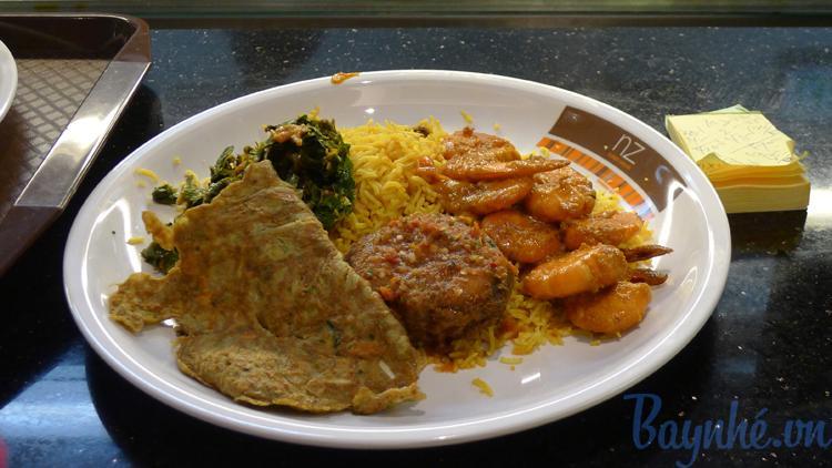 quán ăn giá rẻ ở sân bay KLIA2