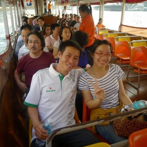 Thăm Hoàng cung Thái bằng tàu điện, tàu sông