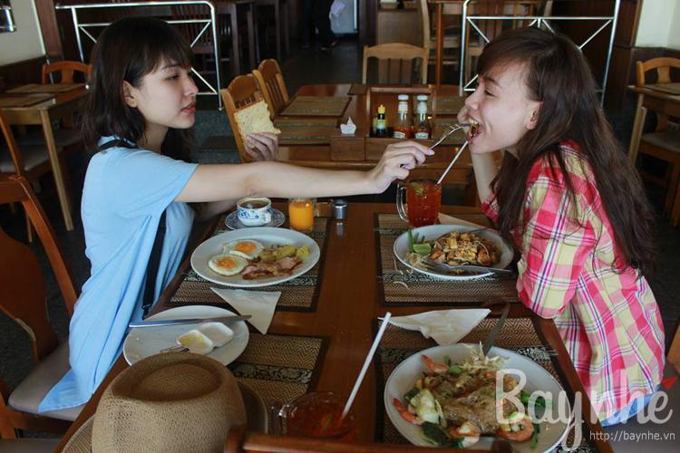 Ba tiểu thư đi Thái: Kinh nghiệm thuê xe máy ở Pattaya
