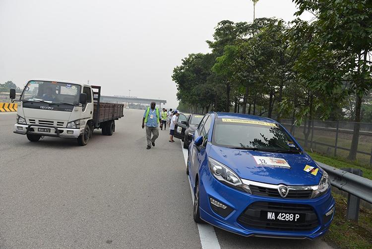 lai xe o to Khám phá Malaysia